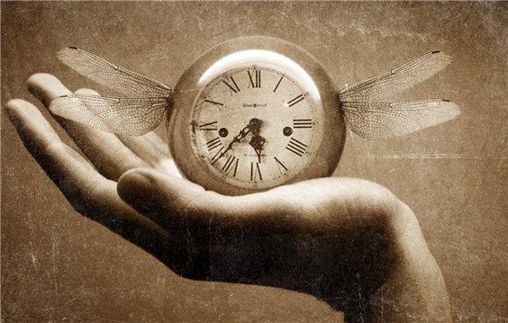 過去があったからこそ、今が在る!  時間は未来から流れくる