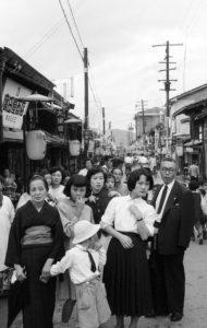 我慢と忍耐の違いとは? 昭和の名残り、日本人の美徳って?